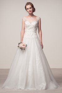 Bicici & Coty Sleeveless Tulle Wedding Dress