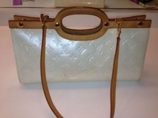 Louis Vuitton Satchel in white patent