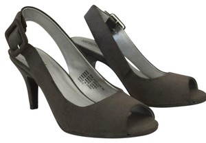 Kenneth Cole Reaction Grey Suede Pumps