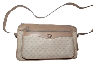 Gucci Gold Hardware Perfect Everyday Roomy With Pockets Unique Color Combo Cross Body Bag