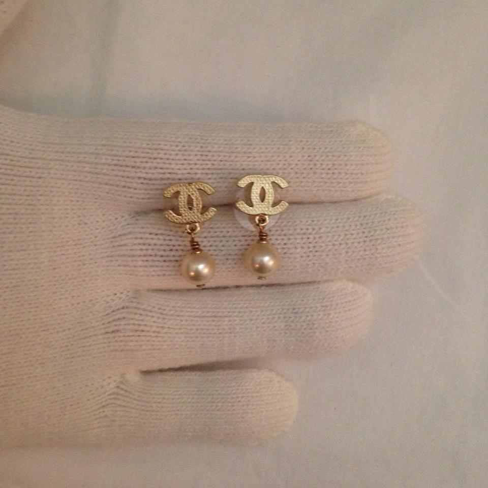Chanel Cc Pearl Earrings 44 Off Retail