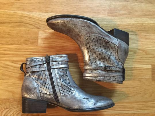 Seychelles 8 New In Box Factory Distressed Pewter Metallic Boots