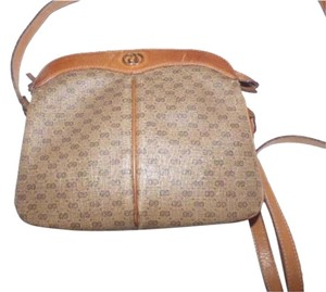 Gucci Gold Hardware Perfect Everyday Shades Of Accordion Bottom Cross Body Bag