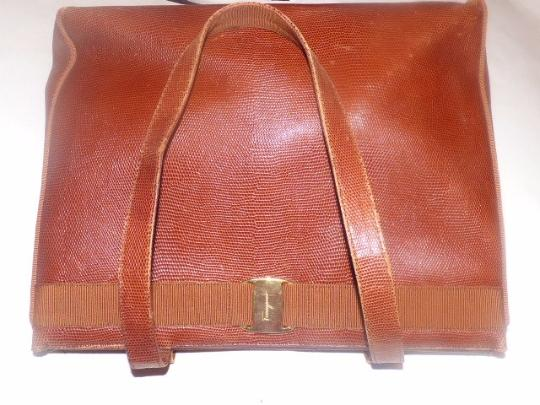 Salvatore Ferragamo Mint Vintage Xl Satchel/Tote Lizard Embossed Perfect For Everyday Satchel in chestnut brown with gold Vara accent