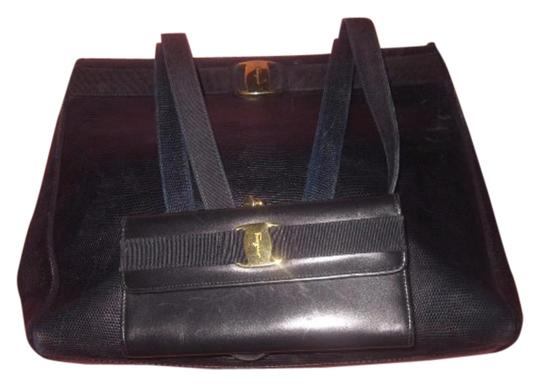 Preload https://img-static.tradesy.com/item/17809789/salvatore-ferragamo-vintage-pursesdesigner-purses-navy-blue-with-gold-vara-accent-lizard-embossed-le-0-3-540-540.jpg