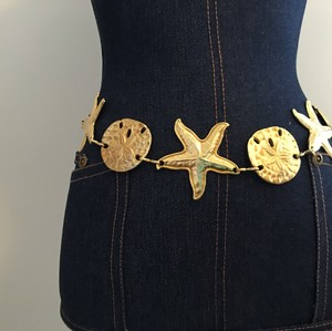 Vintage 1980s VINTAGE 1980's NAUTICAL GOLD CHAIN BELT STARFISH AND SAND DOLLARS