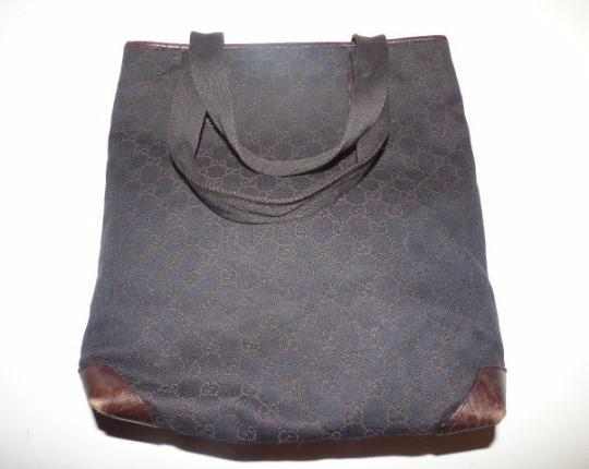 Gucci Mint Vintage Rare Perfect Size Exterior Pocket Great Everyday Tote in Brown large G logo print canvas & leather