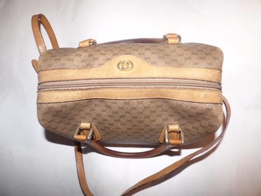 Gucci Excellent Vintage Drs Satchel/Boston Two-way Style Handheld Or Shoulder Satchel in shades of brown with small G logo