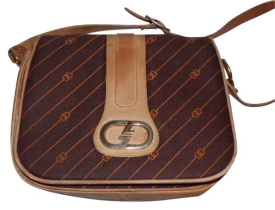 Preload https://img-static.tradesy.com/item/17813284/gucci-vintage-pursesdesigner-purses-shades-of-brown-with-diagonal-rust-logo-print-leathercanvas-shou-0-2-540-540.jpg