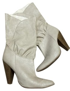 Charlotte Russe Wood Chunky Pleather ivory Boots
