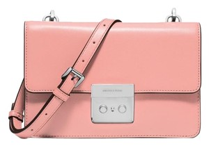 1e717ab42d5a Michael Kors Pink Bags - Up to 70% off at Tradesy