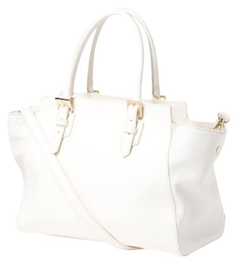 Preload https://img-static.tradesy.com/item/17815051/new-made-in-italy-with-tonal-sides-white-leather-tote-0-1-540-540.jpg