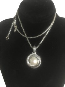 David Yurman David Yurman Pearl Crossover Pendant Necklace with Diamonds