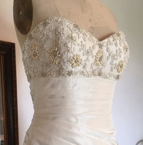 Augusta Jones Creme Taffeta Lace Mermaid Wendy Top Sexy Pleated Sweetheart 10/12 Feminine Wedding Dress Size 10 (M)