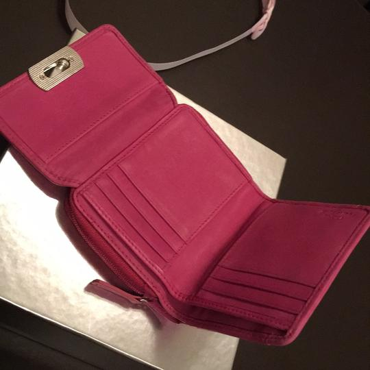 Next Era Wristlet in pink/dark pink