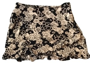 H&M Skirt black and white flower