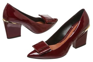 Max and Cleo Maroon Pumps