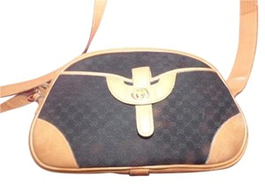 Gucci High-end Bohemian Mint Vintage Exterior Pocket Bowling Look G/Camel Satchel in black canvas with small G logo print/camel leather