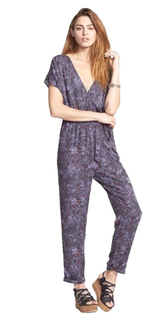Preload https://img-static.tradesy.com/item/17820421/free-people-night-combo-surplice-romperjumpsuit-0-1-650-650.jpg