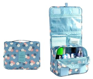 ** NWT ** Hanging Toiletry Kit/ Travel Bag