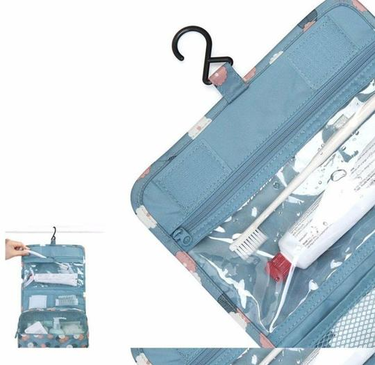 Other ** NWT ** Hanging Toiletry Kit/ Travel Bag
