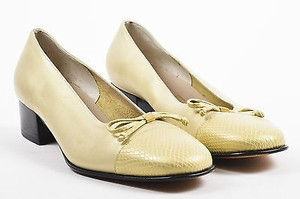 Salvatore Ferragamo Tone Metallic Leather Snake Embossed Block Heels B Gold Pumps