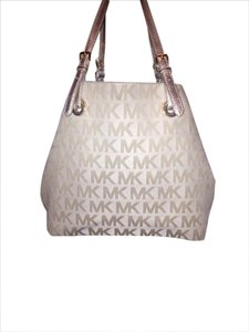 Michael Kors Mk Tote in Gold tone
