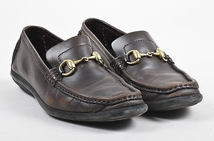 Gucci Leather Gold Tone Brown Flats
