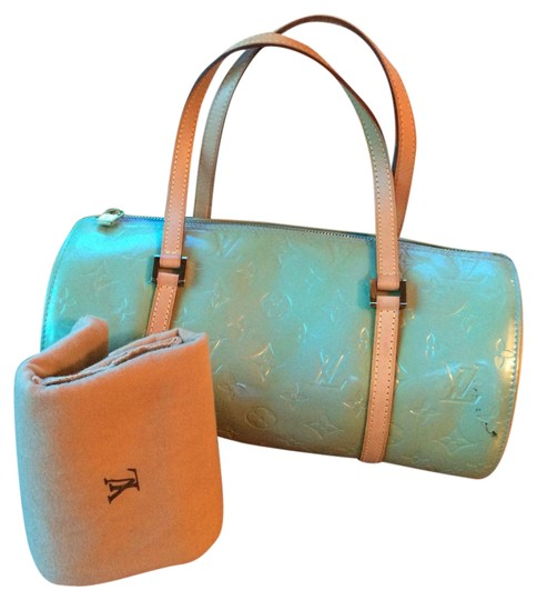 Preload https://img-static.tradesy.com/item/17828944/louis-vuitton-bedford-vernis-v10979-mint-green-canvas-leather-clutch-0-3-540-540.jpg