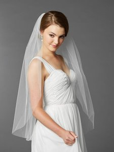 Mariell Top Selling Fingertip Length One Layer Cut Edge Wedding Veil 4433v-36-w