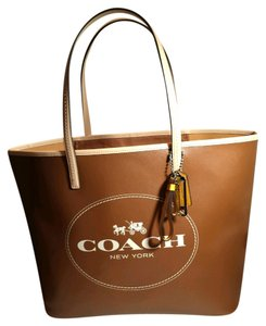 Coach New Park Metro City Large Shopper Shoulder Handbag Purse Horse Carriage Logo Canvas Leather Tote in Brown