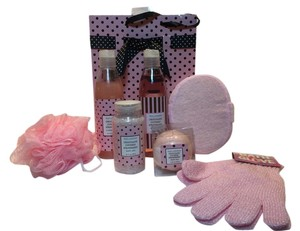 Other Chocolate Covered Strawberries Bath & Collection by Body Luxuries [ Roxanne Anjou Closet }
