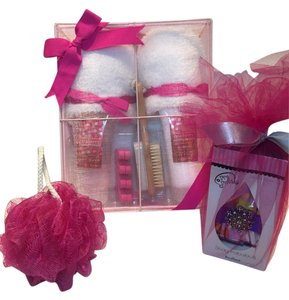 SImple Pleasures Fuchsia Slippers, Foot Bath & Pedicure Care Set; Simple Pleasures Raspberry Pomegranate & Bouffant Designer Shower Cap by Dry Divas [ Roxanne Anjou Closet ]