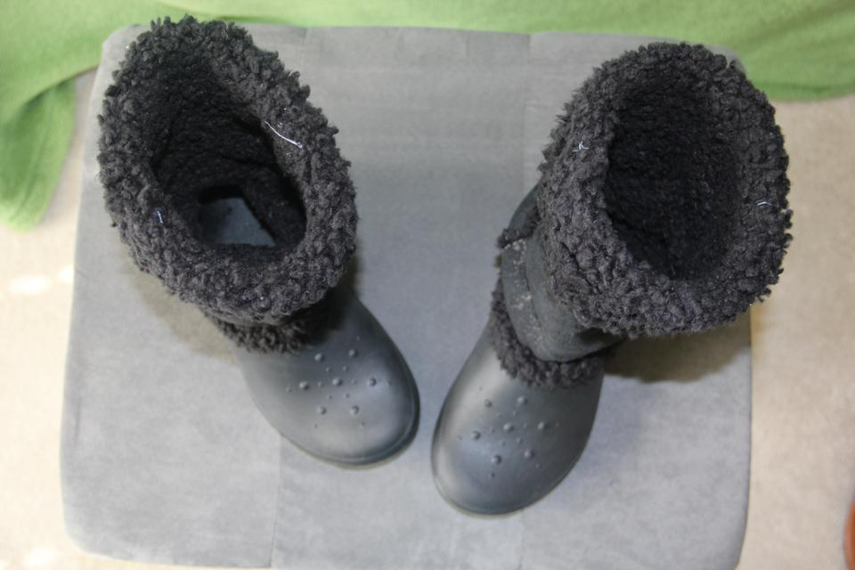 76c859a35198b Crocs Black Nadia Winter - Super Comfy Boots Booties Size US 7 ...