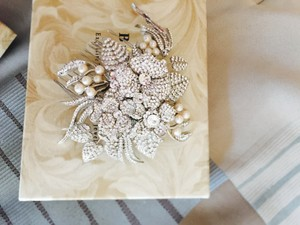 Bridal Styles Boutique Gorgeous Handmade Swarovski And Pearl Hairpiece/comb