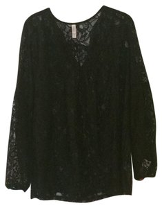 Xhilaration Top black lace