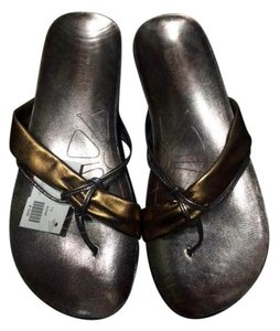 Kenneth Cole bronze Flats