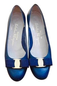 Salvatore Ferragamo Vera Chanel Rogervivier navy Pumps