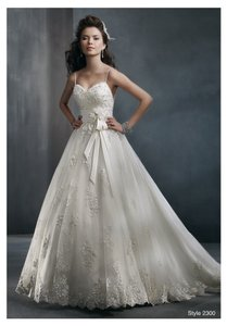 Alfred Angelo 2300 Wedding Dress