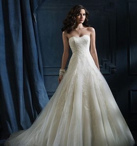 Alfred Angelo 867 Wedding Dress