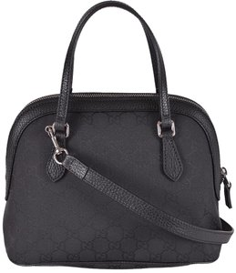 Gucci Messenger Messenger Satchel in Black