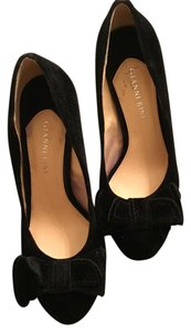 Gianni Bini Suede Stiletto Black Pumps