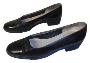Salvatore Ferragamo Designer Salvotore black Pumps