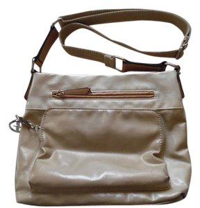 Giani Bernini Neutral Colors Versatile Satchel in Ivory and Tayoe