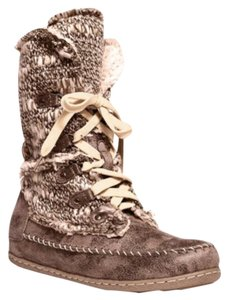 Muk Luks Grey Taupe Combo Boots
