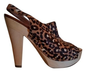 Via Spiga leopard print Pumps