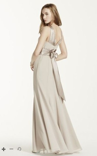 David's Bridal Sangria Chiffon and Charmeuse Rounded Neckline Style Traditional Bridesmaid/Mob Dress Size 2 (XS) Image 2
