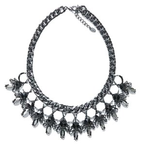 NWOT Black and White Statement Necklace