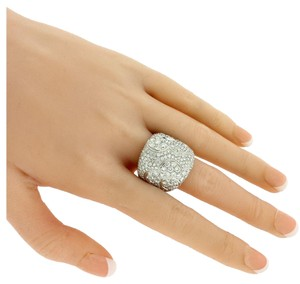 Pasquale Bruni Pasquale Bruni large Women's Pave Diamond Flower Ring In 18k Gold