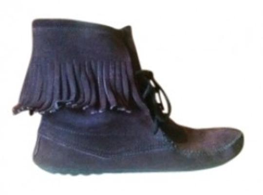 Preload https://img-static.tradesy.com/item/17854/minnetonka-purple-tramper-ankle-hi-bootsbooties-size-us-9-regular-m-b-0-0-540-540.jpg